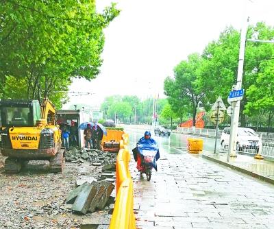 武昌路昨起大修 上桥车辆走半幅路