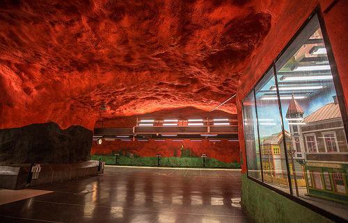 CNN评选全球12个最美地铁站,你在哪里等过车?
