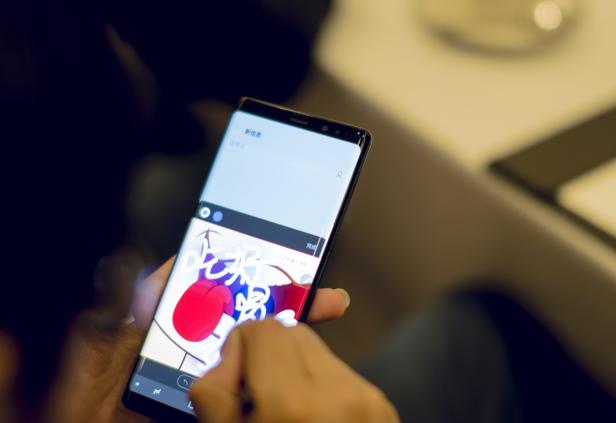 斗图、绘画、涂鸦,三星如何用一支S Pen玩转社交网络?