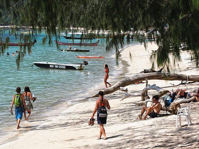 泰国南部素叻他尼府一处海滩。(新华/路透)
