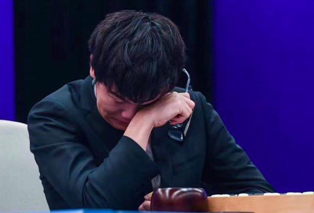 AlphaGo最强版本:自学3天完胜李世乭,40天登顶世界冠军