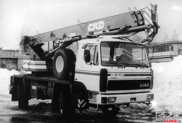 4X4驱动还带4轮转向 这些卡车干啥用呢?