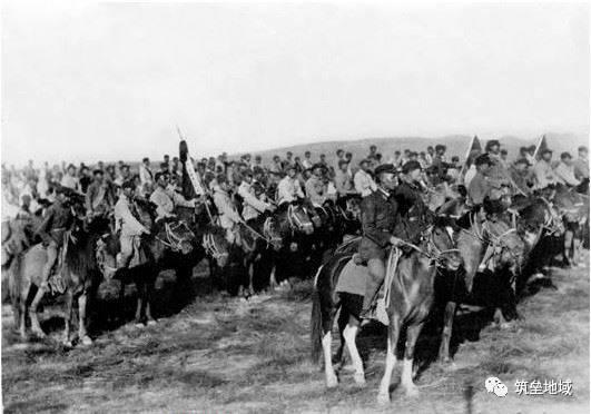 """打响""""平型关大捷""""前哨战:八路军115师骑兵营战史"""