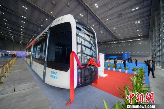 百分之百低地板现代有轨电车 杨华峰 摄