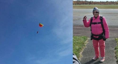 图为康贝尔奶奶和她跳伞的场景(图片来源:美联社)