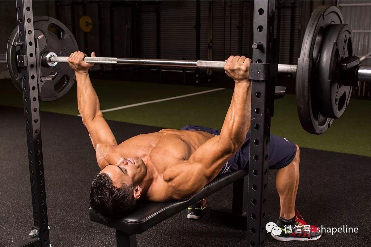 """增肌训练中,卧推需要""""下至触及胸部,上至手臂伸直""""吗?"""