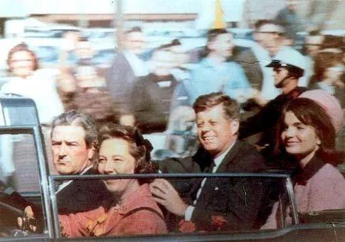 为什么说美国总统肯尼迪是外星人_斯诺登说美国被外星人控制_外星人怎么说