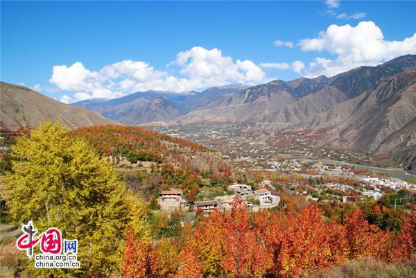 四川丹巴着力打造藏寨人文休闲乡村风情度假区
