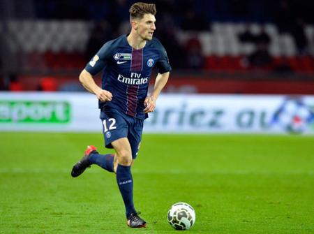 英媒:曼联有意在1月引进PSG边卫默尼耶