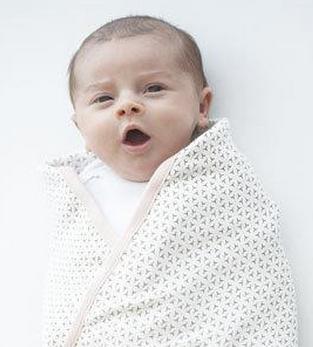 """宝妈们注意到新生儿""""睡头形""""吗?"""