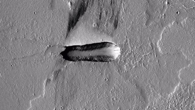 火星上发现宇宙飞船?一张照片引发争议