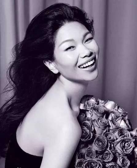 她就是吕燕,一个努力活出自己姿态的姑娘.