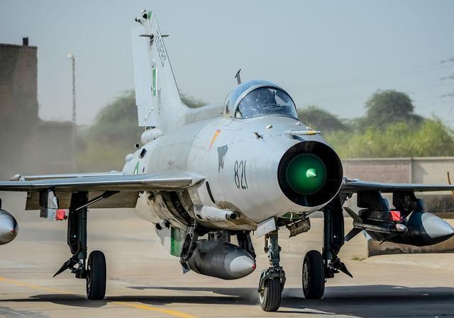 巴铁一招让中国空军学习,四架战机在歼11雷达上只显示一个目标