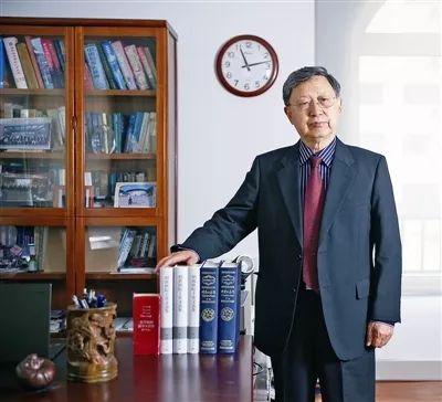"""青岛打造东部沿海重要的创新中心 院士们给出一批""""金点子"""""""