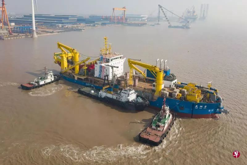 """中国再添""""填砂造岛""""神器 """"亚洲最强""""挖泥船下水"""