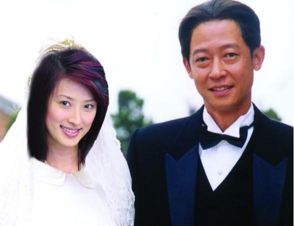 51岁王志文爱妻曝光 变家庭主妇容颜憔悴(图)