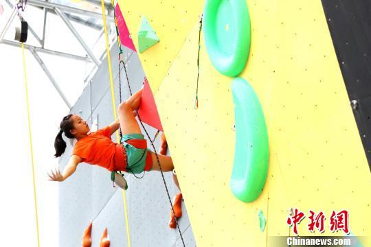 图为2017中国・青海高原国际攀岩精英赛。(资料图) 张添福 摄