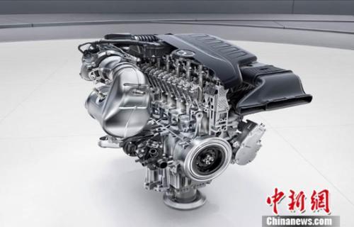 采用同级首创48V智能电机系统的全新直列六缸发动机