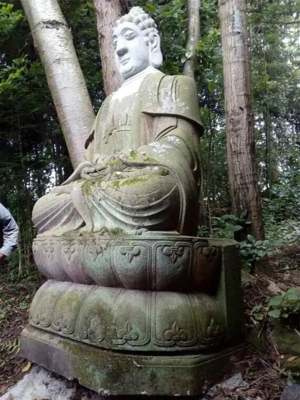"""重庆石柱现""""白头佛像""""珍贵文物"""