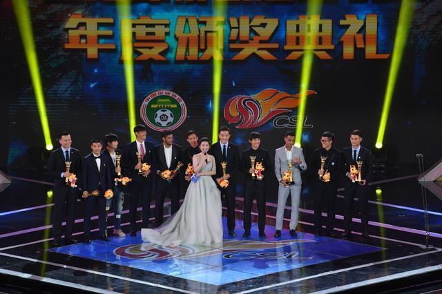 冯潇霆为本土球员呐喊引吐槽 赢韩国队并不能吹嘘一辈子