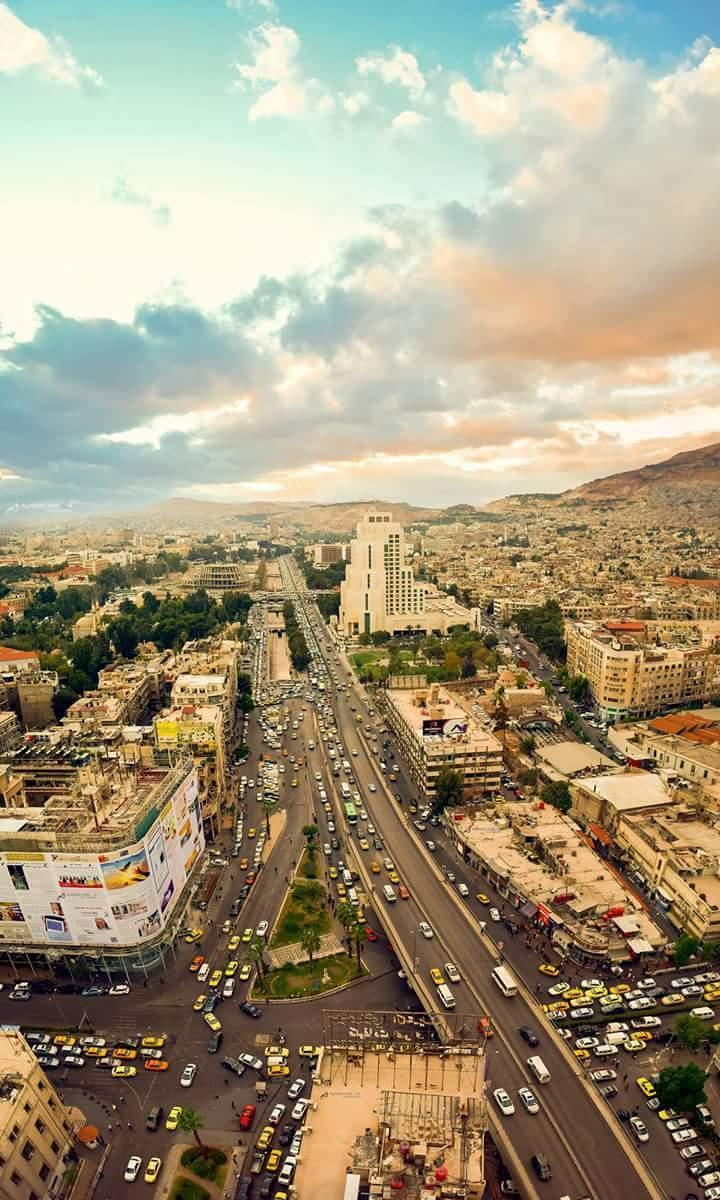 11月中旬的大马士革,第一夫人阿斯玛很开心,城市生机焕发