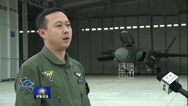 """导弹--央视曝光歼20机库照,不像F-22和F-35那样""""娇贵"""""""