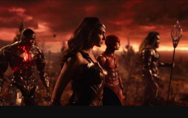 《正义联盟》:任凭英雄三千,我只想看一位神奇女侠