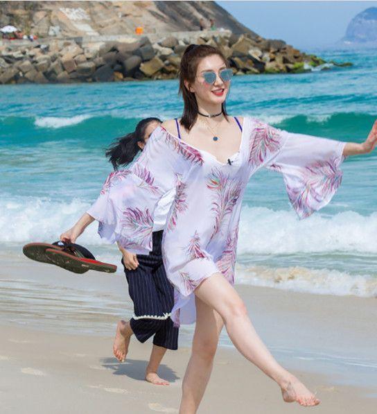 还是比外国明星沙滩上厚了不少,外国女星阳光沙滩比基尼.