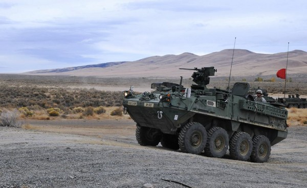 """坦克--放弃俄式设计!解放军打造6×6""""东方水虎鱼""""装甲车"""