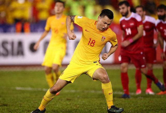 恒大锋霸点杀乌兹成12强赛英雄,比郑智更早完成国足百场?