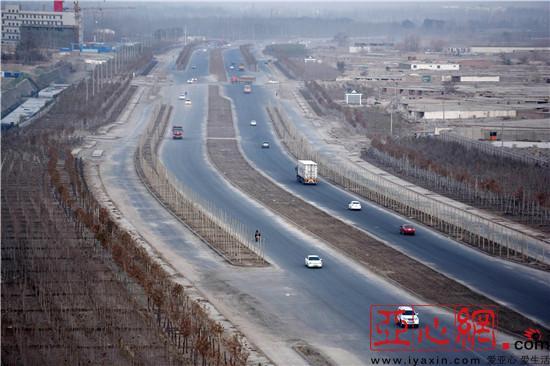 新疆库尔勒市:南库大道正式通行