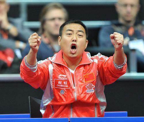刘国梁战场上是国乒大魔王,生活中也暖萌无比令人钦佩!