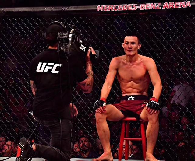 UFC世界排名王冠首秀便刷新中国拳手纪录,李景亮四连胜未进前50
