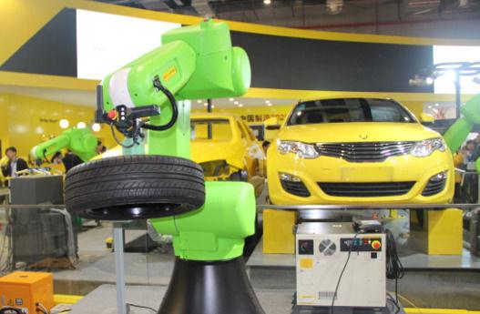 占据全球市场半壁江山 日本工业机器人刷新纪录