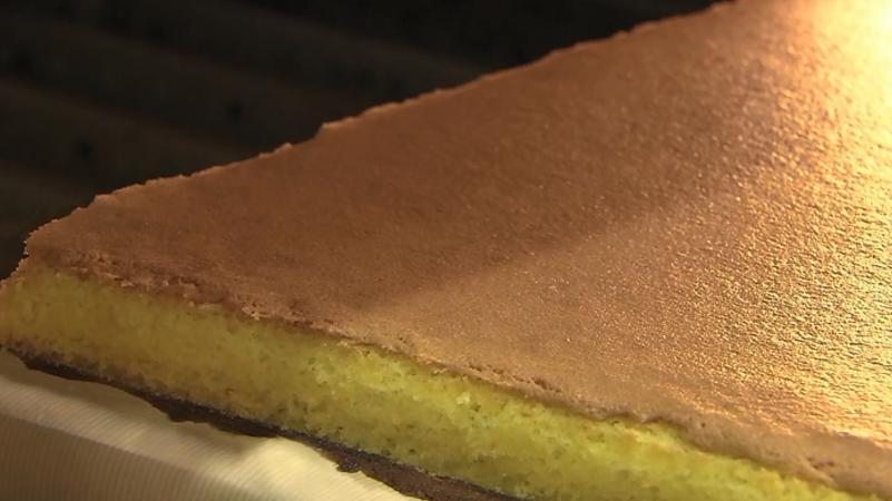 日本最有名福砂屋蛋糕手工制作现场,真的是超级魔性