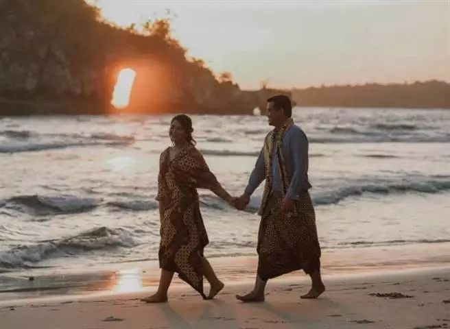 印尼总统佐科嫁女 宴请名流约8000人超标20倍(图)