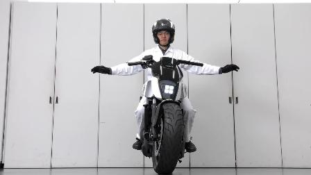 自平衡电动摩托车 已被德国与日本领先开发 新能源创新科技