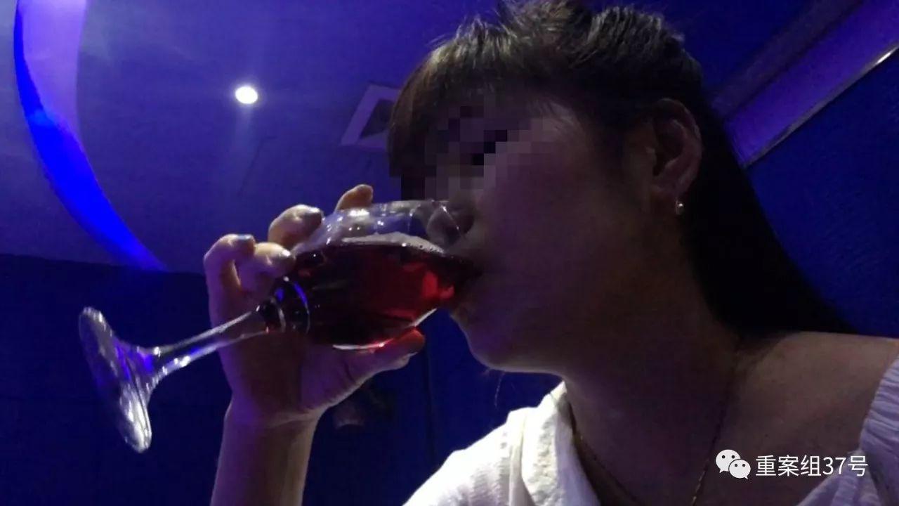 记者卧底京城酒托:有时牺牲色相 实在不行亲一口