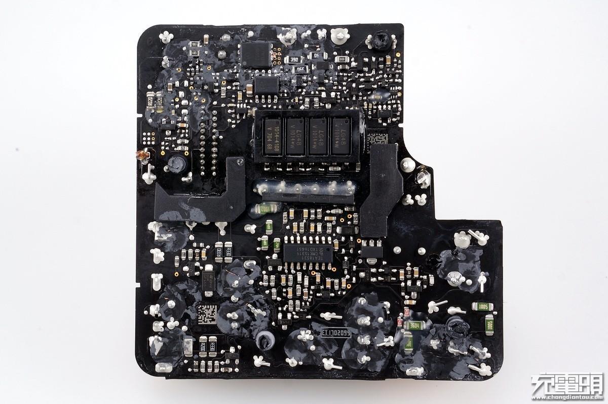苹果数据线头电路板拆开图