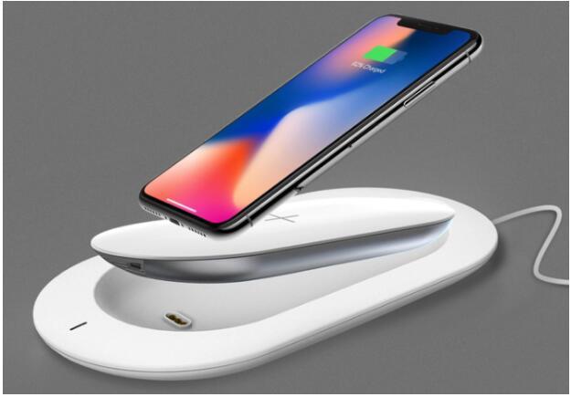 完胜苹果高价无线充 MIPOW推两用无线便充宝X