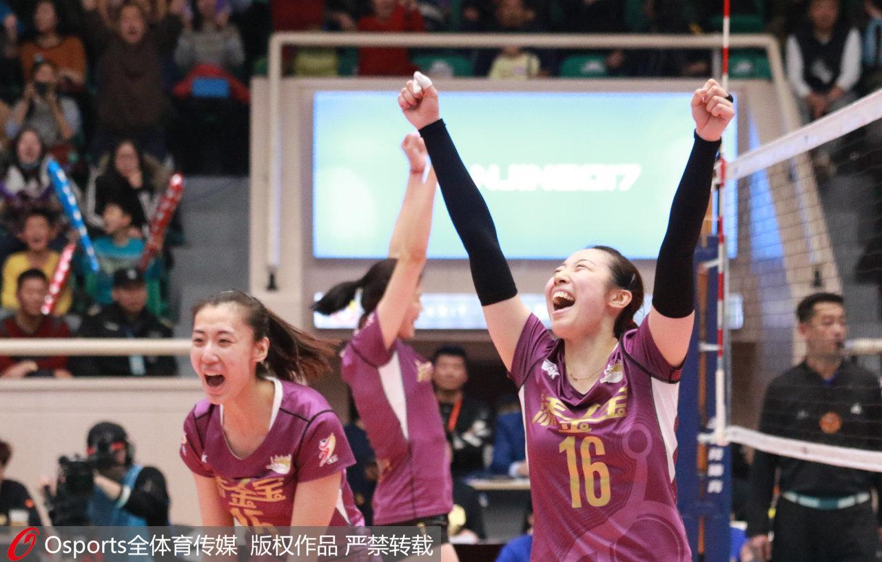 45分!17岁小将打破朱婷单场纪录 中国女排新天才