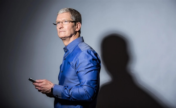 狂投10亿美元做视频:苹果又招来两大高管