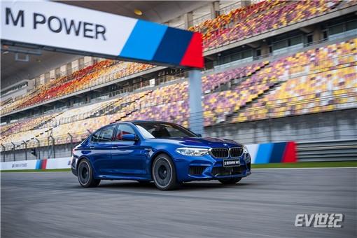 04.全新BMW M5_副本.jpg
