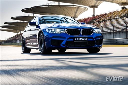 03.全新BMW M5_副本.jpg