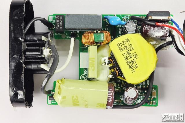 台达代工 dell 30w pd充电器 da30nm150拆解