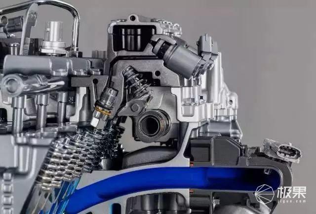 0 t v6 发动机结构就要复杂得多.
