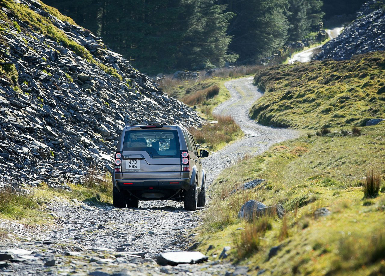 Land_Rover-Discovery-2015-1280-0c.jpg