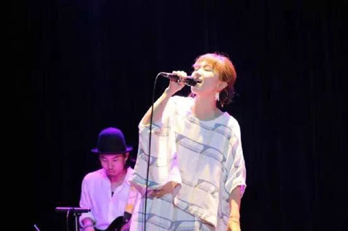 治愈系中最动人的声音 熊木杏里重庆文化宫大剧院温暖开唱