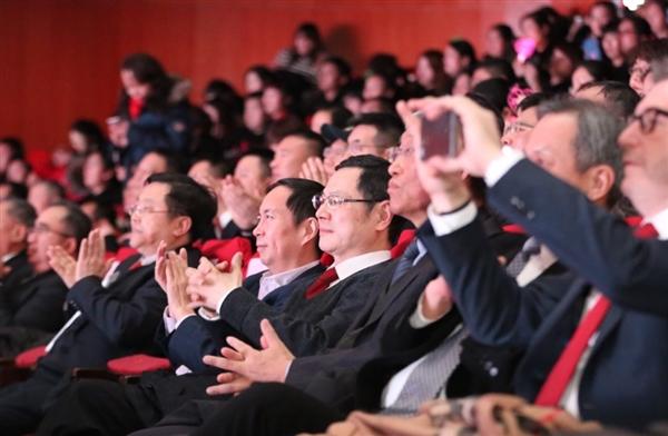 阿里CEO张勇:让大润发成为新零售最高皇冠上的明珠