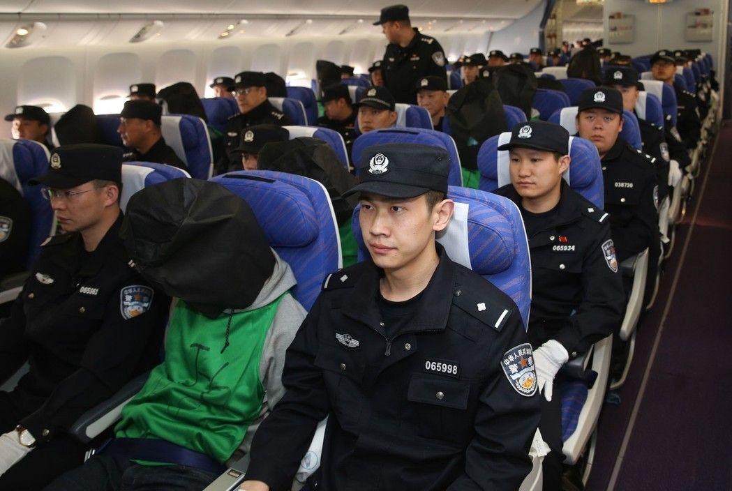 又有大批台诈骗犯在韩被捕 场面如警匪大片